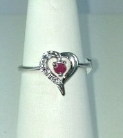 DR189 - SS RUBY HEART RING (ONLY #6.5)