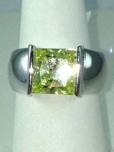 DR192 - SS SQUARE SHAPE PERIDOT SOLITAIRE RING (ONLY #8)