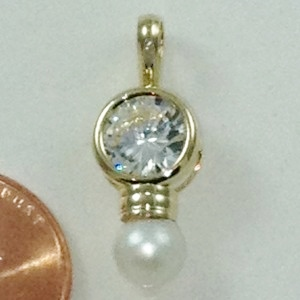 5407 - CUBIC ZIRCONIA AND SYNTHETIC PEARL PENDANT