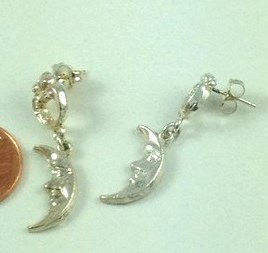 1422 - STERLING SILVER CRESCENT MOON POST EARRINGS