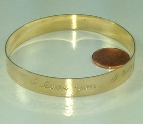 B405 - SCRIPT I LOVE YOU BANGLE