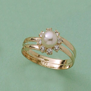Precious Pearl & Crystal Accent Ring