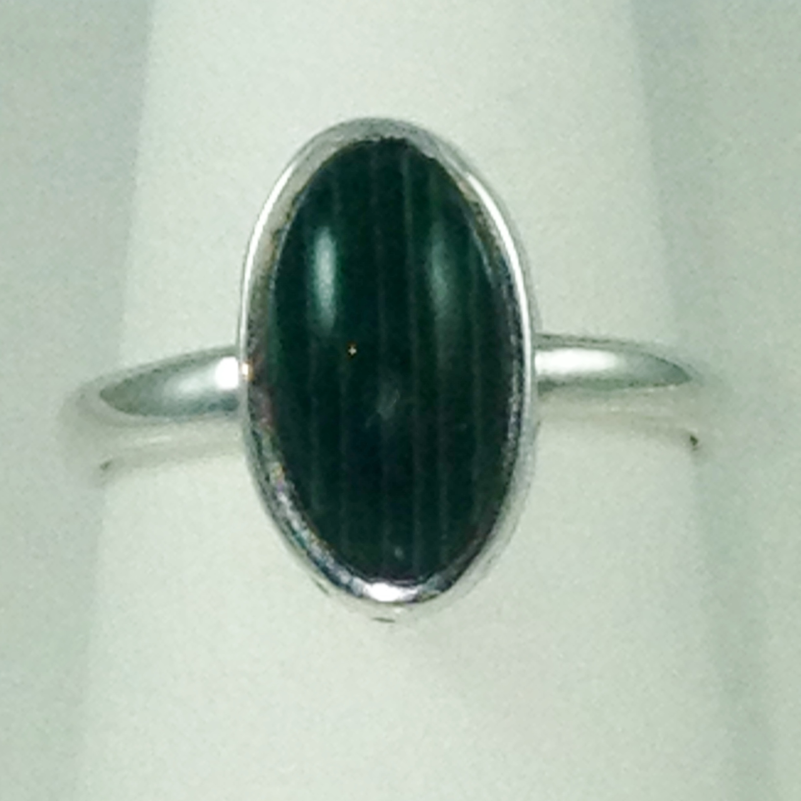DR133 - STERLING SILVER WITH GREEN MALACHITE STONE